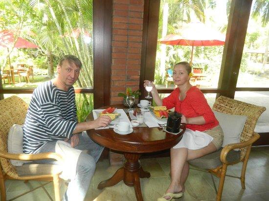 The Farm at San Benito: завтрак вегетарианцев в ресторане отеля