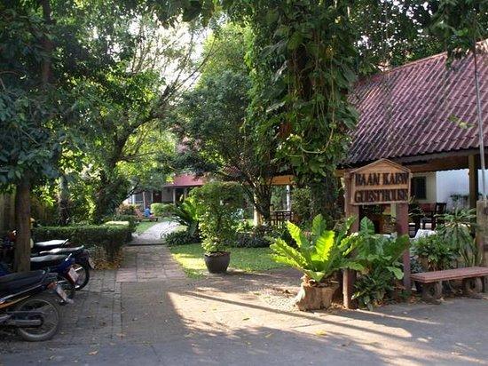 Baan Kaew Guesthouse: Eingang