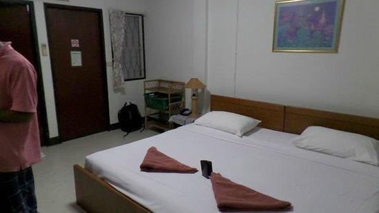 Baan Kaew Guesthouse: Zimmer 105