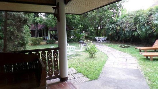 Baan Kaew Guesthouse : Garten