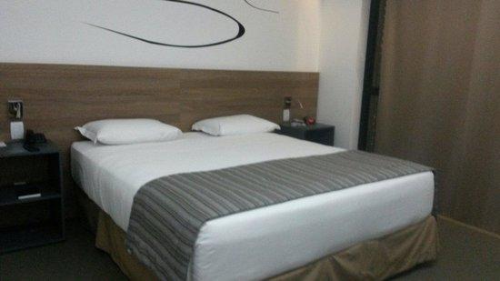 Linx Hotel International Airport Galeão: Habitacion piso 5