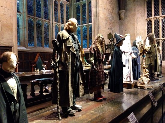 Warner Bros. Studio Tour London - The Making of Harry Potter: at the great hall