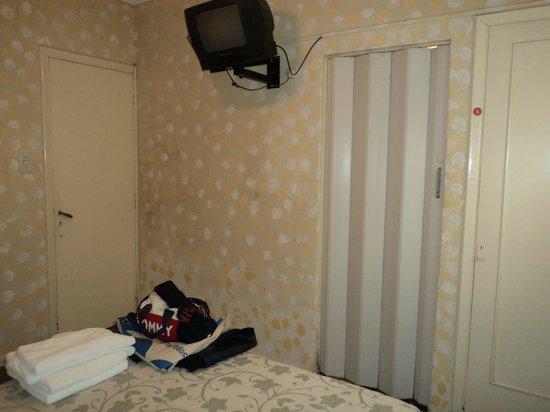 Hotel Saint James: Habitación
