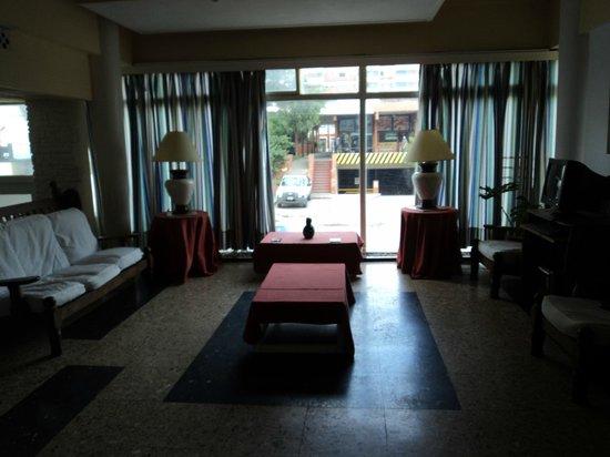 Hotel Saint James: Hall de entrada