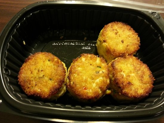 Maggiano's Little Italy: Dinner Crab Cakes