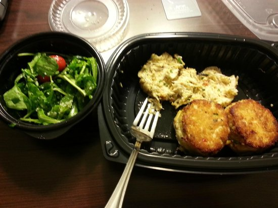 Maggiano's Little Italy: Crab Cakes with Arugula