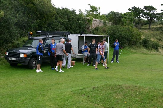 Great Orme Family Golf: Got the gear, right, lets go