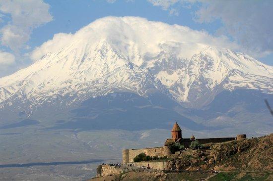 Khor Virap and Mt. Ararat ©Linn Krogh Hansen