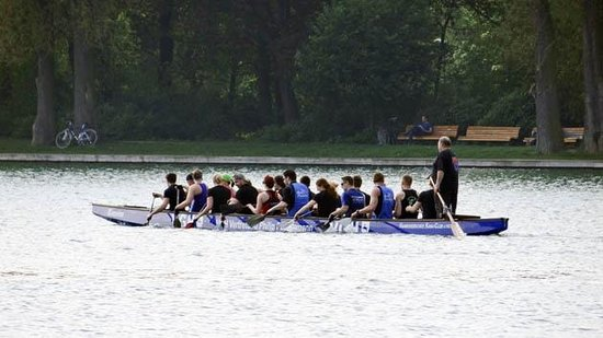 Maschsee: practicing  dragon boat