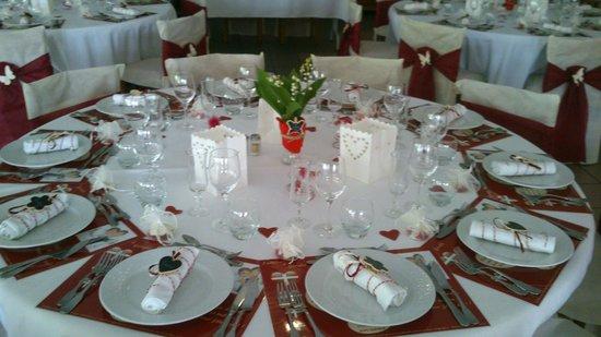 Hotel Achafla Baita : Table invités