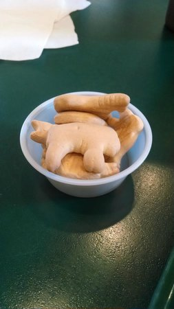 Michael's Charcoal Grill: Animal crackers for the kids and the kid-minded