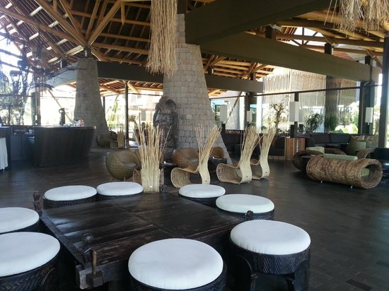 Lopesan Baobab Resort : Main exterior bar
