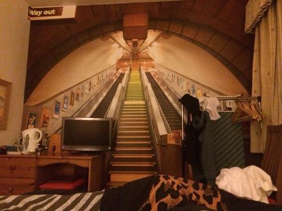 New Guilderoy Hotel Blackpool : london underground 23