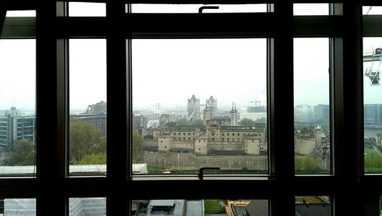 Grange Tower Bridge Hotel : View from our room window