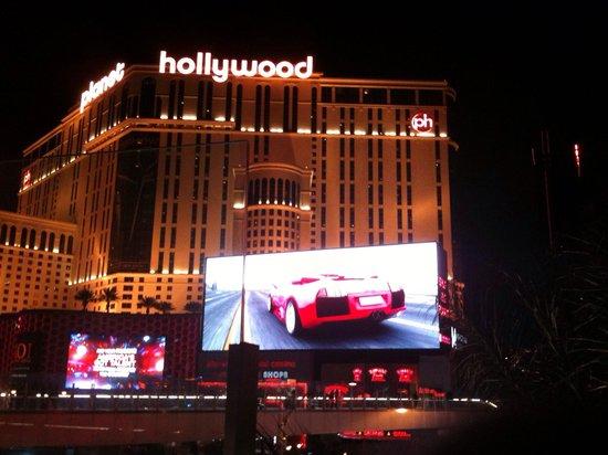 Planet Hollywood Resort & Casino: Hotel Exterior