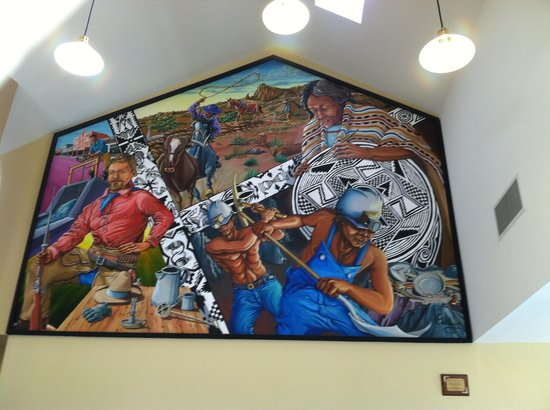 Silver City Visitors Center: Awesome mural