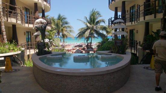 El Taj Oceanfront & Beachside Condos Hotel: Llegando al hotel