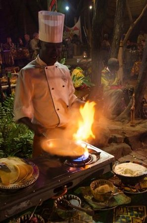 The Boma - Dinner & Drum Show : Chef cooking up pancakes