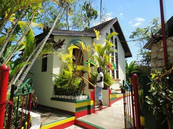 Royal Decameron Club Caribbean : nine miles