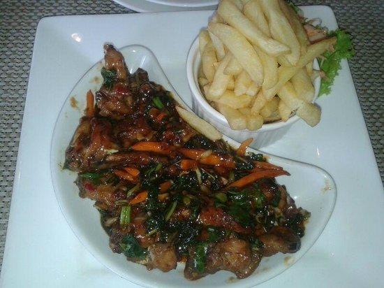 Mount Meru Hotel : Dinner