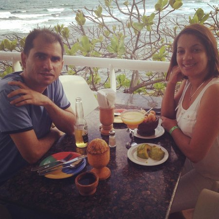 Adrian Tropical: Mofongo junto al mar...