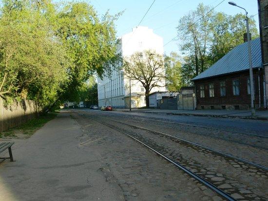 Dodo Hotel: tram stop
