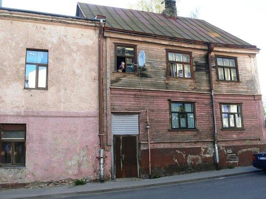 Dodo Hotel: House opposite to hotel
