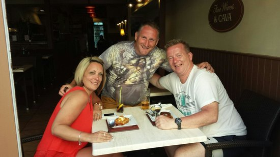 Olivers Restaurant: Regulars x