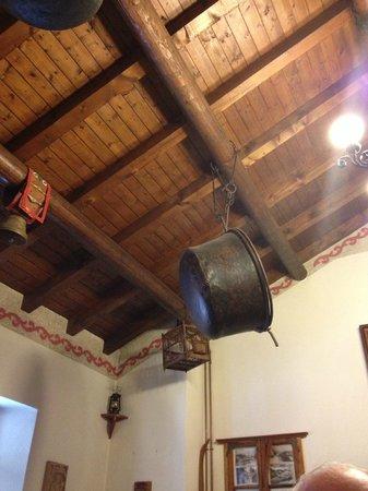 Crotto Belvedere : Dettagli appesi al soffitto