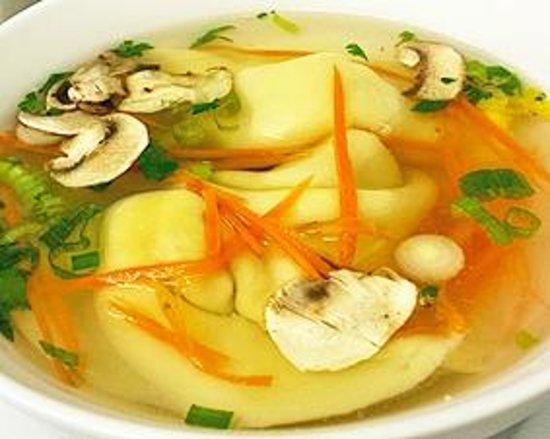 Soulisa's Fine Thai Dining: Wonton Soup