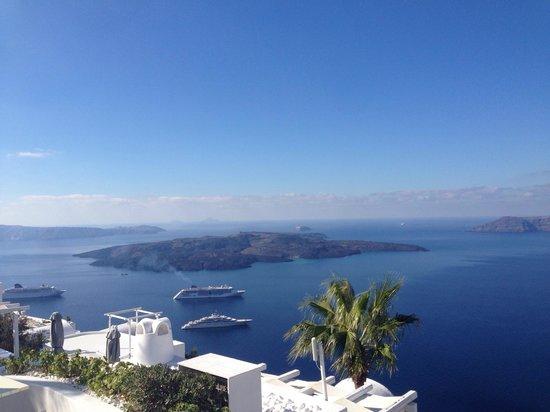 Dana Villas Hotel & Suites : View from honeymoon suit in October.