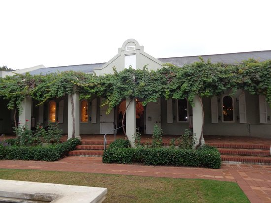 Cape Fusion Tours - Day Tours: Fairview winery