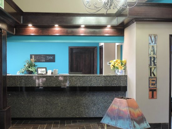 Lexington Inn - Ardmore : Front Desk