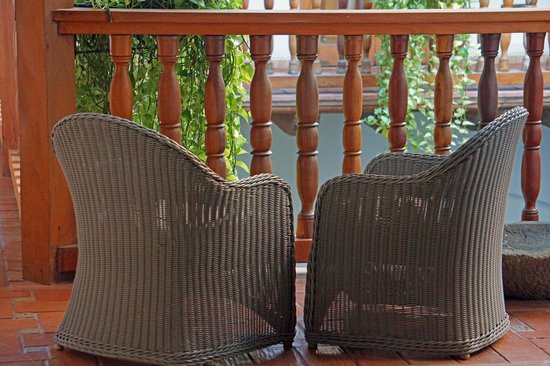 Hotel Casa San Agustin : Chairs in a common area