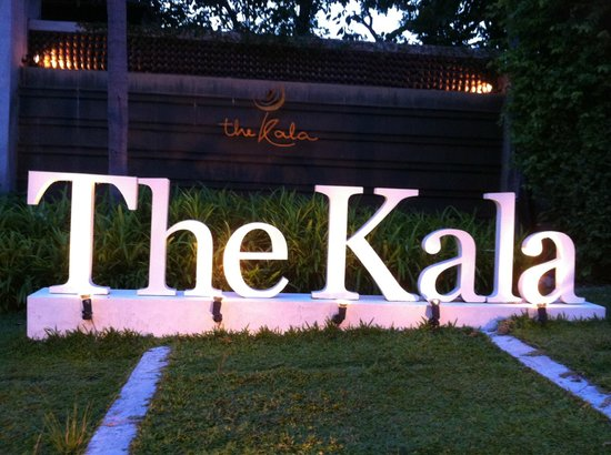The Kala Samui : Out the front of the Kala