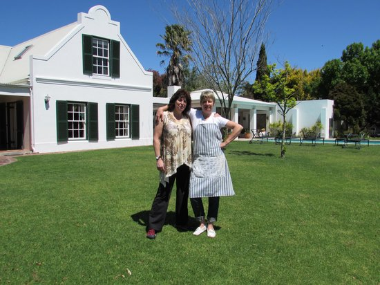 Vlottenburg, South Africa: This shows the Owners Home And The Pool Area