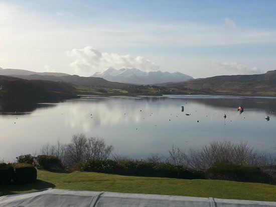 Cuillin Hills Hotel: Morning view of the mountains