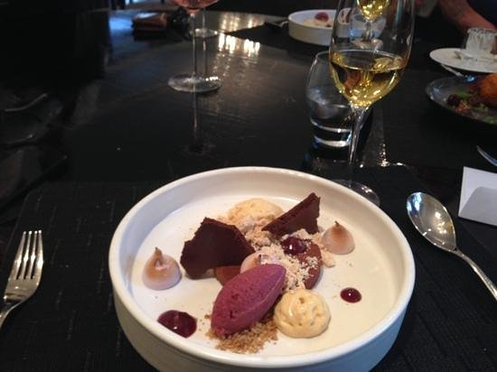 Camphors at Vergelegen : dessert