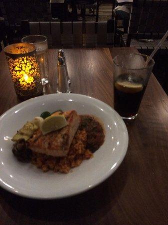 Lebanese Taverna: Salamon lebanese style