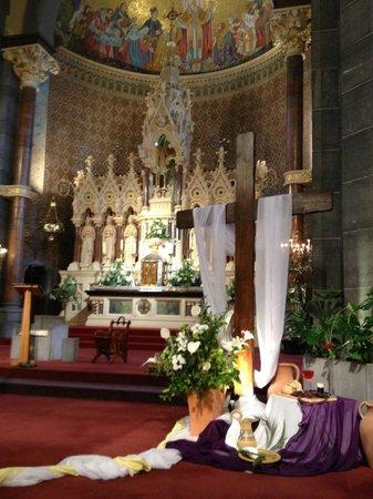 Redemptorist Church: Main altar