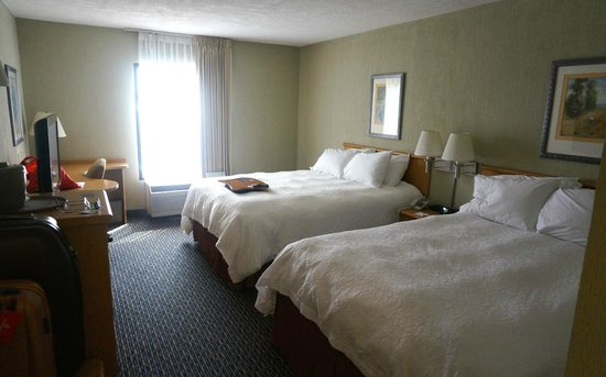 Hampton Inn & Suites by Hilton San Jose Airport: Comfy beds