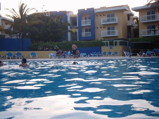 Hesperia Playa El Agua: Piscina