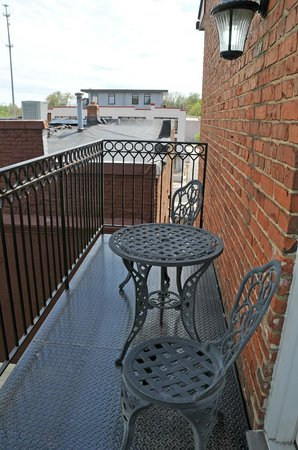 Suites at 249 : Balcony