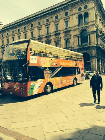 City Sightseeing Milano: Slight roof on some of the buses