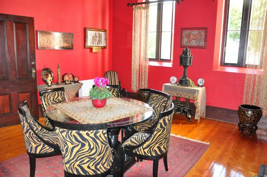 Saint Patrick's Luxury Boutique Hotel: Drawing Room