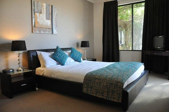 RNR Serviced Apartments Adelaide: Master Bedroom