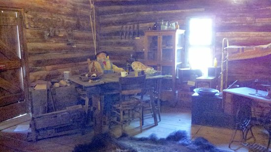 Truth or Consequences, NM: Interior of log cabin