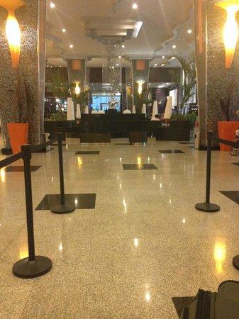 Hotel Riu Plaza Panamá: lobby