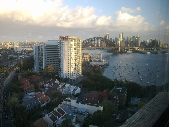 North Sydney Harbourview Hotel: View