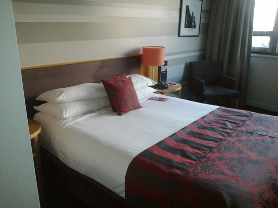 North Sydney Harbourview Hotel : Room